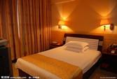 金菠萝国际青年酒店(万里路店)