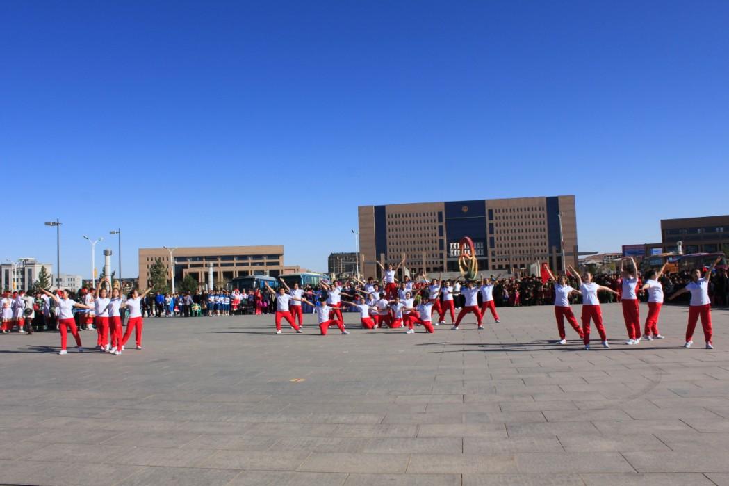 阿拉善盟蒙古族完全中学